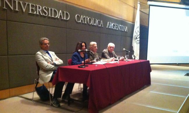 El Dr. D. Daniel Funes de Rioja, Presidente de la Organización Internacional de Empleadores, en un momento de su intervención.