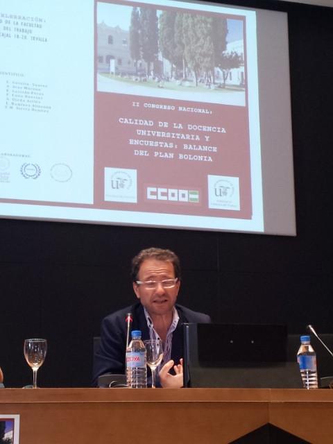 El profesor Molina Navarrete en un momento de su intervención